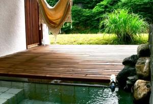 鷹の巣温泉・美肌の湯・露天風呂 吊橋と離れの宿 鷹の巣館