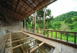 銀山温泉で露天風呂 仙峡の宿 銀山荘